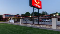 Exterior view Econo Lodge Winfield