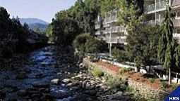 Buitenaanzicht Rocky Waters Inn And Suites