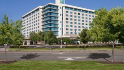 Buitenaanzicht Embassy Suites by Hilton Hampton Hotel Convention Ctr - Spa