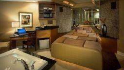 Suite CHAMPAGNE LODGE AND CL SUITES