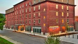 Exterior view Courtyard Keene Downtown