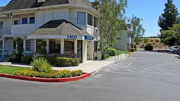 Exterior view MOTEL 6 MERCED NORTH