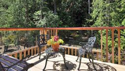 Hotel Francis Point Bed & Breakfast - Parksville