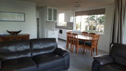 Hotel Wyuna Beachfront Holiday Apartments - Burleigh Heads