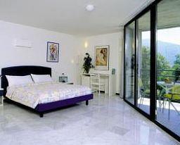 Nessi Locarno Room with balcony - Nessi-Locarno-Room_with_balcony-2-65106.jpg