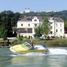 Donau Rad Hotel Wachauerhof Marbach an der Donau Exterior view - Donau_Rad_Hotel_Wachauerhof-Marbach_an_der_Donau-Exterior_view-103047.jpg