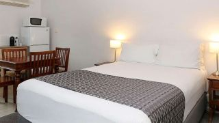 Quality Inn & Suites The Menzies - 2 HRS star hotel in Ballarat