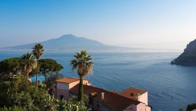 Hotel in Vico Equense – conduct business in a coastal city