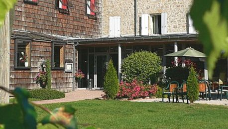 Hotel Le Fort du Pré - 3 HRS star hotel in Saint-Bonnet-le-Froid