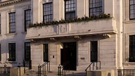 Town Hall Hotel & Apartments - 5 HRS star hotel in London