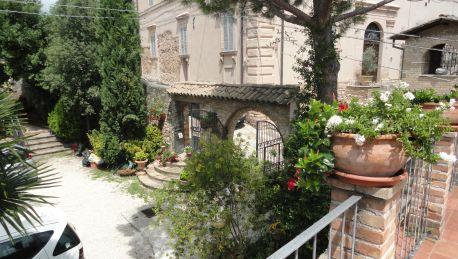 Hotel La Terrazza Residence 3 Hrs Star Hotel In Spello