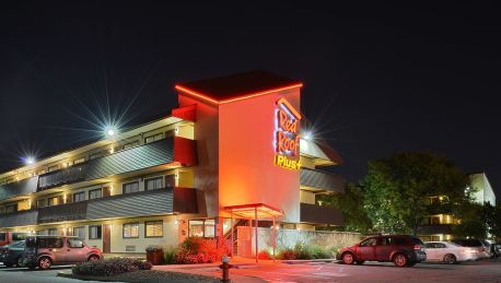 Red Roof Inn Plus Westbury Long Island Ny See S
