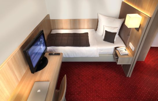 Single room (superior) Best Western zur Post