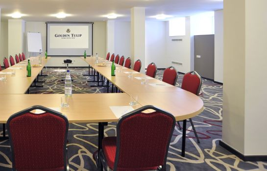 Conference room Golden Tulip Reiss
