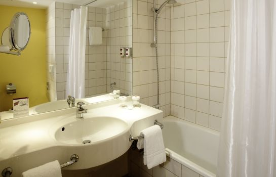 Bathroom H+ Hotel Bochum
