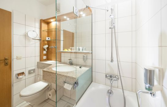 Bagno in camera Dorint Hotel & Sportresort