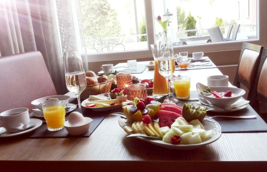 Ontbijtbuffet Caravelle Hotel im Park