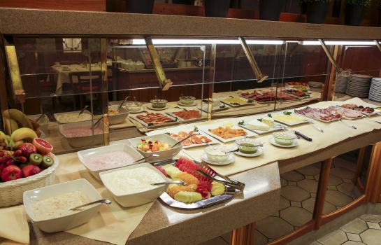 Breakfast buffet Advena Europa