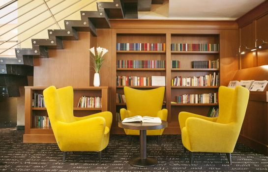 Reading room Savigny Hotel Frankfurt City