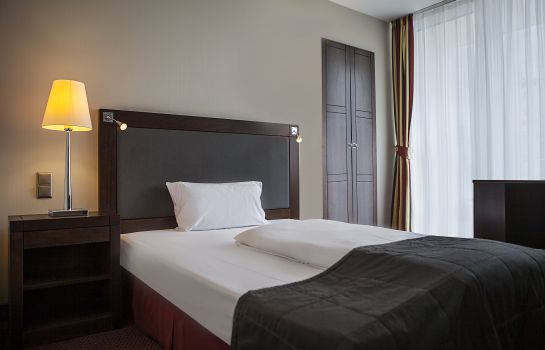 Single room (standard) Savigny Hotel Frankfurt City