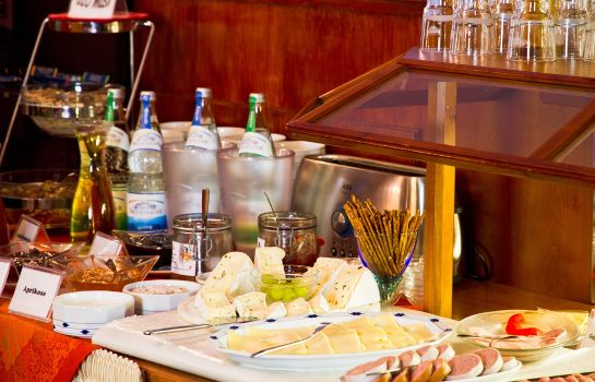 Breakfast buffet Amberger