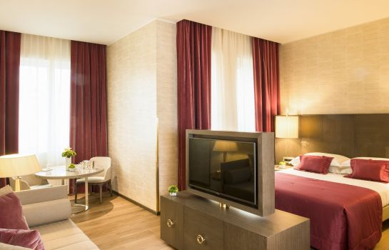 Suite Starhotels Rosa Grand