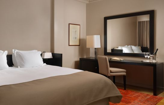 Junior-suite NJV Athens Plaza