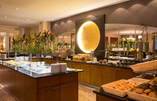 Ontbijtbuffet Lindner Grand Hotel Beau Rivage