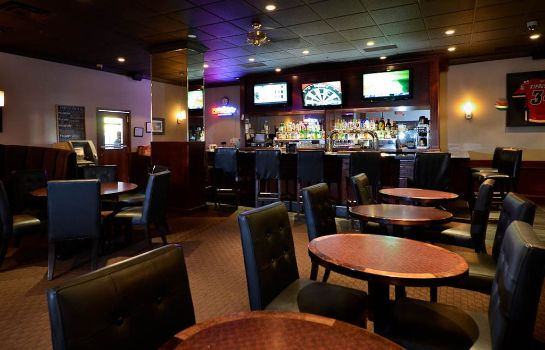 Hotel bar Sandman Hotel Lethbridge