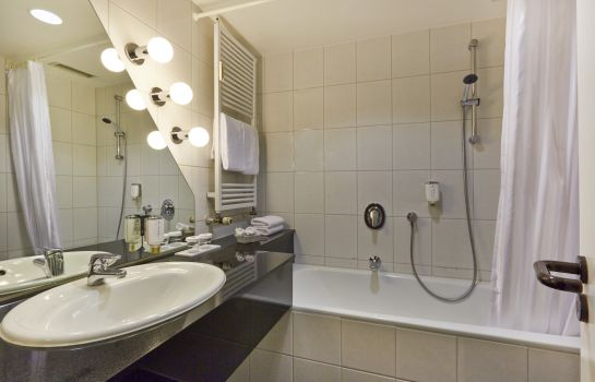 Bathroom H+ Hotel Bremen