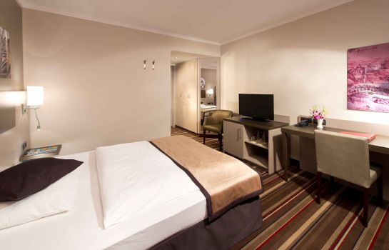 Single room (standard) Leonardo Hotel Hamburg City North