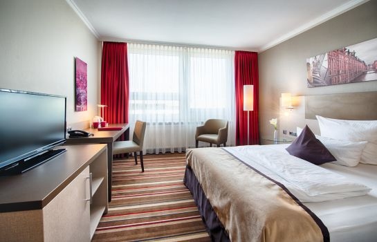 Single room (superior) Leonardo Hotel Hamburg City North