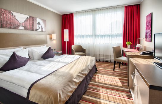 Double room (superior) Leonardo Hotel Hamburg City North