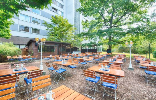 Terrasse Leonardo Hotel Frankfurt City South ehem. Holiday Inn FRANKFURT AIRPORT - NORTH