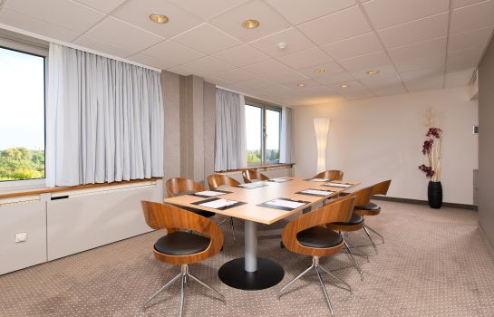 Conference room Leonardo Hotel Munich Arabellapark