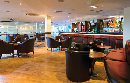 Hotel bar Leonardo London Heathrow Airport