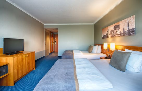 Double room (superior) Leonardo Airport