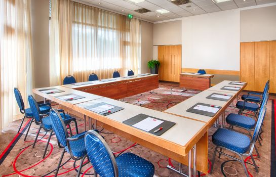 Conference room Leonardo Royal Hotel Frankfurt