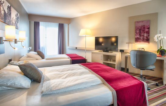 Double room (standard) Leonardo Royal Hotel Frankfurt