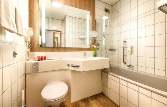 Badezimmer Leonardo Hotel Wolfsburg City Center