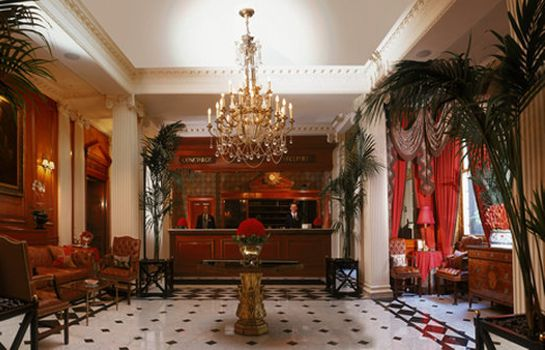 Hall de l'hôtel The Chesterfield Mayfair Red Carnation Hotel