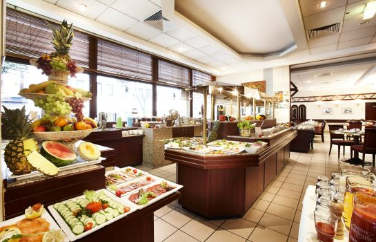 Breakfast buffet Golden Tulip Bielefeld City