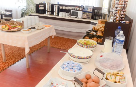 Breakfast buffet Le Grand Hotel de la Plage