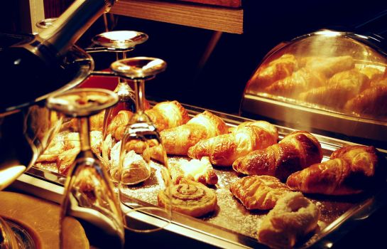 Breakfast buffet Hotel Krone Aachen City-Eurogress