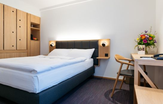 Single room (superior) Hotel Basel
