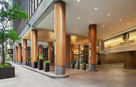 Exterior view Hilton Grand Vacations Chicago DowntownMagnificent Mile