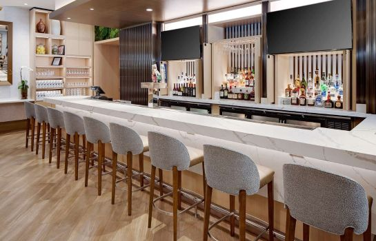 Bar hotelowy DoubleTree by Hilton Chicago - Magnificent Mile