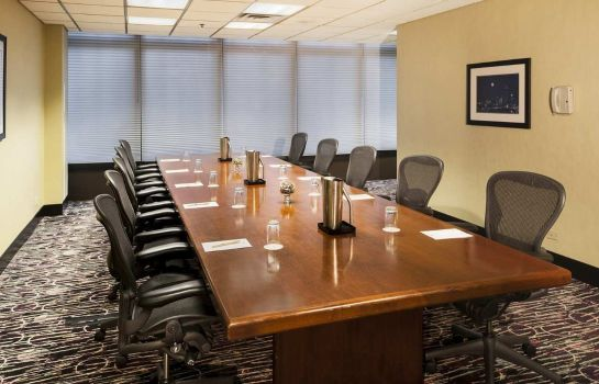 Conference room DoubleTree by Hilton Chicago - Magnificent Mile