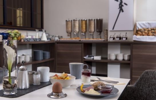 Breakfast buffet TRYP by Wyndham