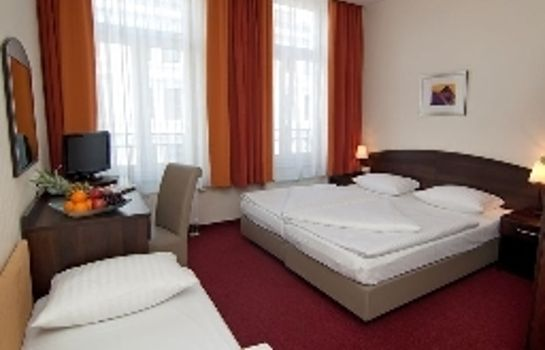 Dreibettzimmer Novum Eleazar City Center